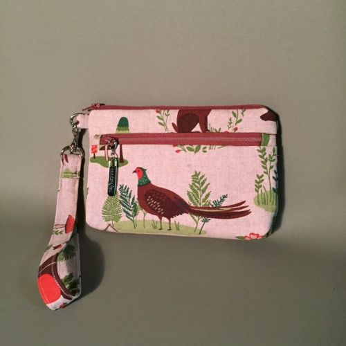 Wristlet pouch for iphone